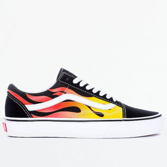 f8d4df2a3c6b Vans Old Skool Flame Black   White Skate Shoes. M 5bd777eb8ad2f9aa52b89765